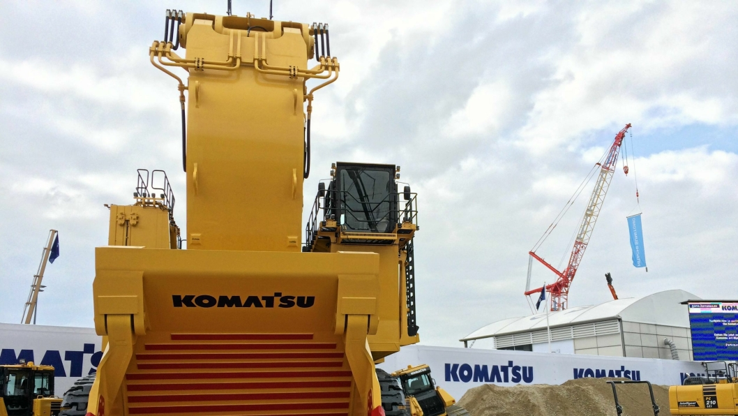 STØRST: Komatsus PC7000 på 614 tonn er Baumas største.