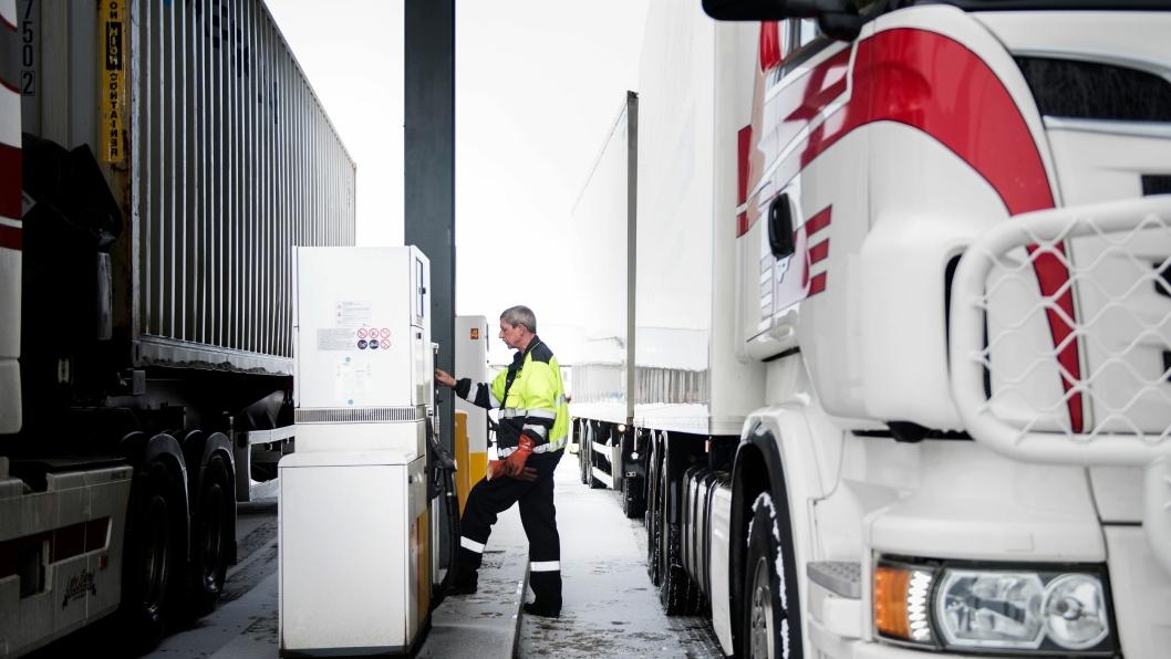 Leiv Sand Transport er lokalisert i Levanger i Nord-Trøndelag, og frakter møbler, containere, kjøle- og frysevarer og annet gods i hele landet.