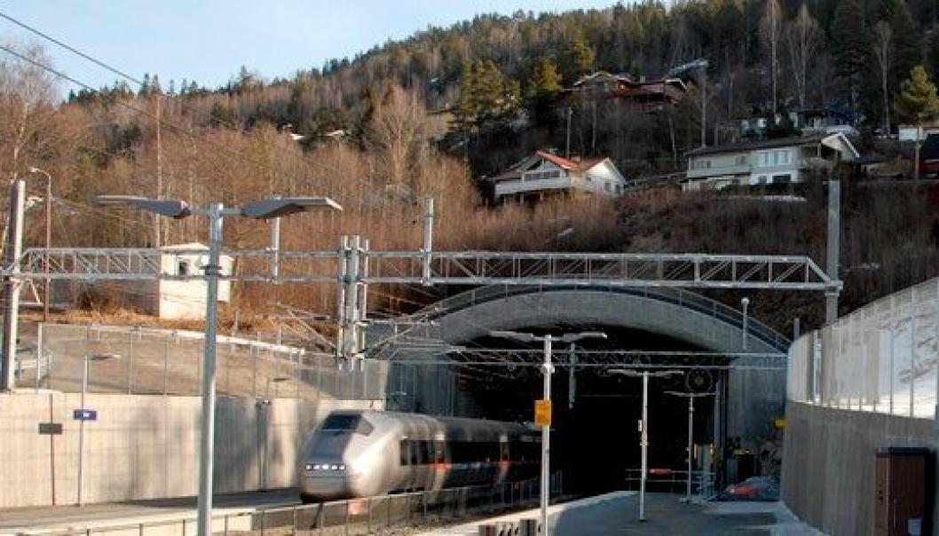 Lieråsen tunnel på Drammenbanen skal fornyes for store beløp de kommende årene.