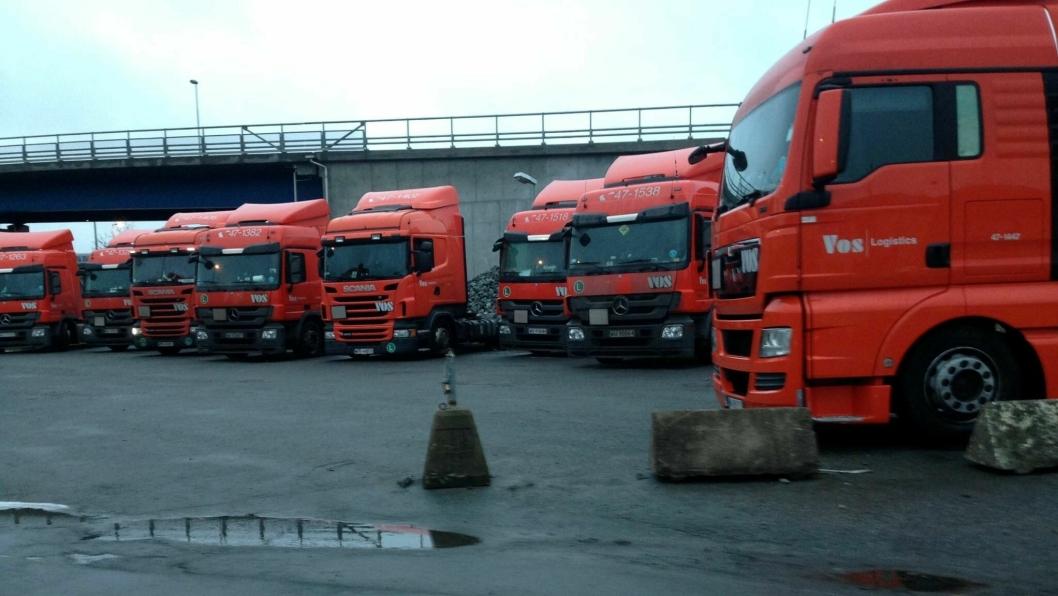 Vos-bilene sto på rekke og rad med parate sjåfører gjennom hele jula i Göteborg.