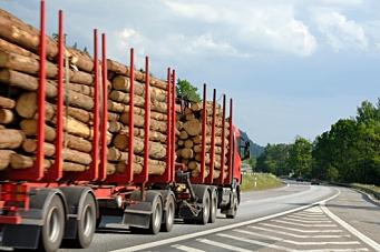 164 km/t i tømmerbil – i oppoverbakke