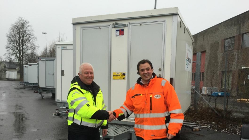 Daglig leder Roy Gulbrandsen i Malthus (t.v.) og daglig leder Kjell Rune Pettersson i Mylift.