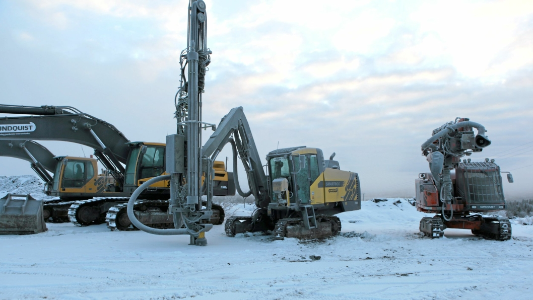 Maskinene har stått stille i Sydvaranger etter konkursen i november, men det jobbes fortsatt med å finne nye investorer til gruva.