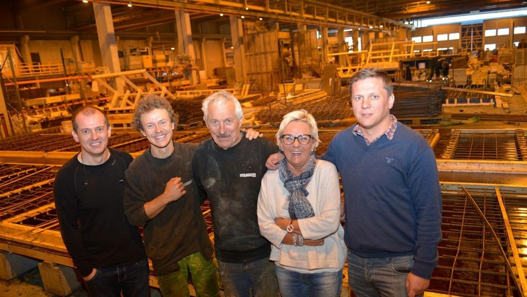 Bjørn Hansen er en ekte familiebedrift. Fra venstre, Håkon Aakre Hansen, Eirik Aakre Hansen, Bjørn Hansen, Mai Helen Aakre Hansen og Bård Aakre Hansen i Bjørn Hansen AS.