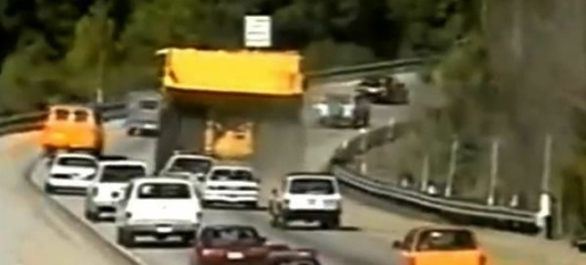 Kjørte stjålet tipptruck på motorvei