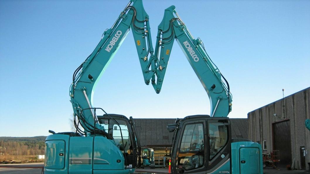 Understellet på SK140-maskinen til venstre er beregnet på 20-tonnere. Maskinen til høyre veier 14,4 tonn (standard fra fabrikk), mens skogsutgaven veier 16,7 tonn.