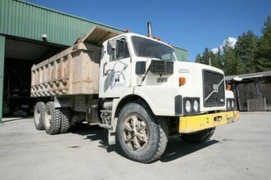 Denne Volvo N1233 Mark II brukte britene i oppryddingsarbeidet etter Falklandskrigen i 1982.