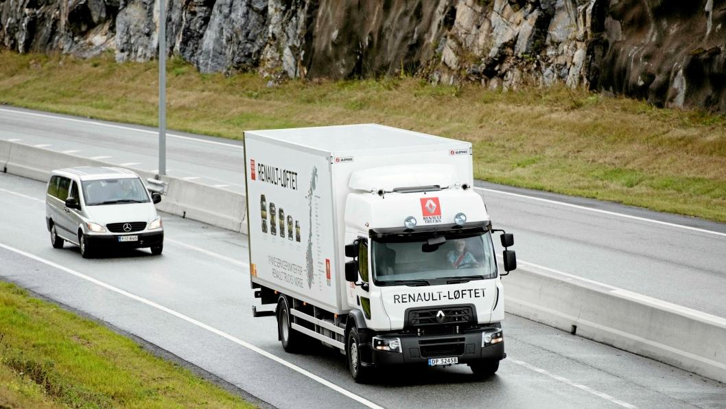 Renault D18 Wide er en behagelig tung, distribusjonsbil, også i bytrafikken.
