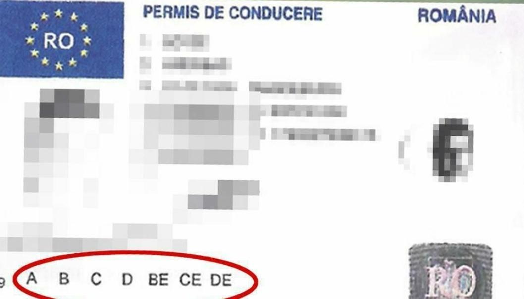 35-åringen er dømt til ubetinget fengsel for kjøp og bruk av falskt førerkort.