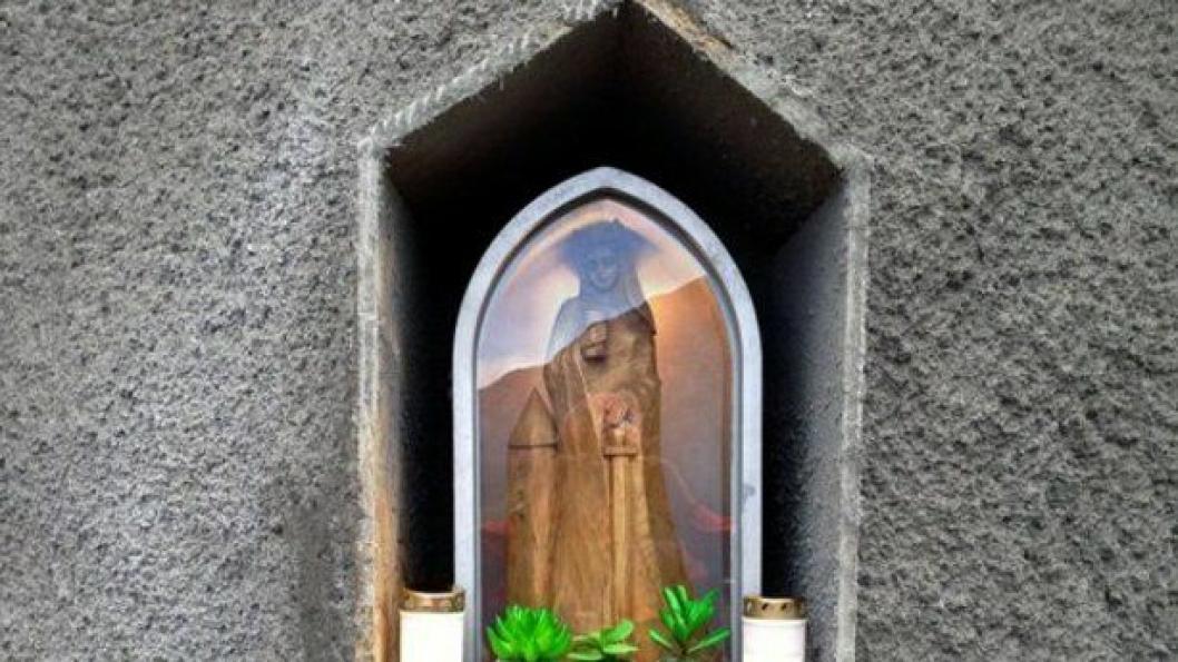 St. Barbara passer på arbeiderne i Jobergtunnelen.