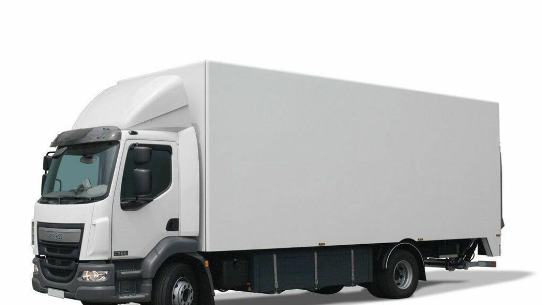 En slik Emoss CM1616 (16 tonn) basert på en DAF LF55 ble levert til en bedrift i Finland i juni 2015. Våren 2016 blir Emoss-lastebiler å se i Norge også på oppdrag for Asko.