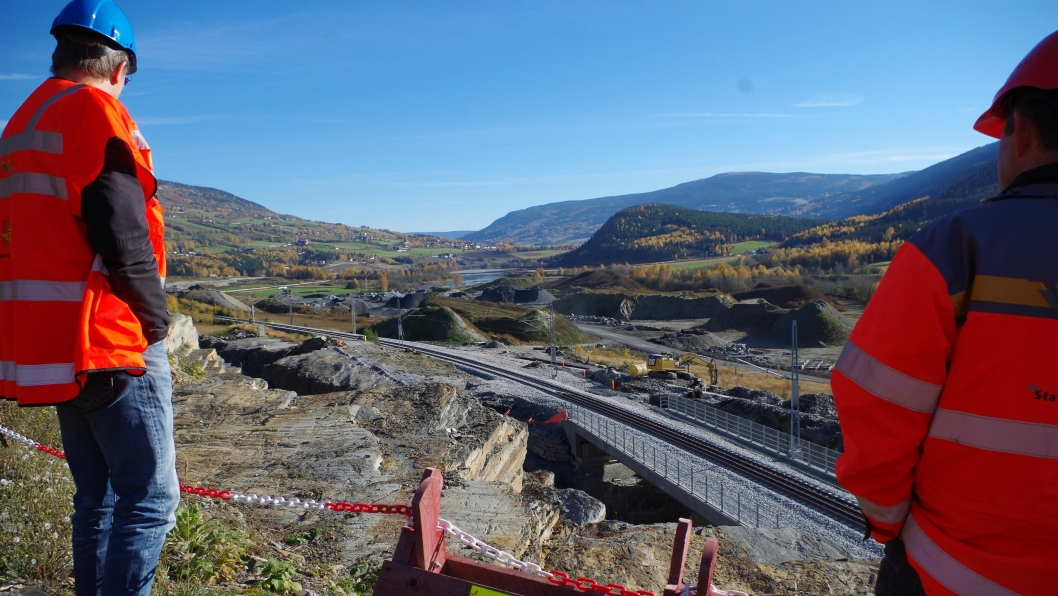 Vegvesenet tok med planleggerne på befaring til Harpefoss og Harpe jernbanebru som er bygd i forbindelse med ny E6 Frya-Sjoa.
