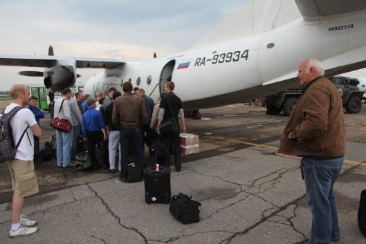 - Tør jeg dette da? Istrail-Nilsen er smått skeptisk til å gå om bord i flyet til Ust Kut.