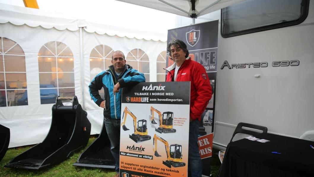 Brødrene Stein (til venstre) og Frode Iversen driver Hardlife AS, og skal nå begynne som hovedimportør av Hanix-maskiner til Norge.