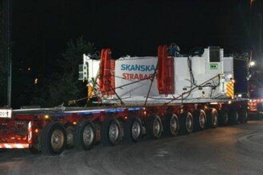 Kolliet på lasteplanet veier 151 tonn og er 6,4 meter bredt.