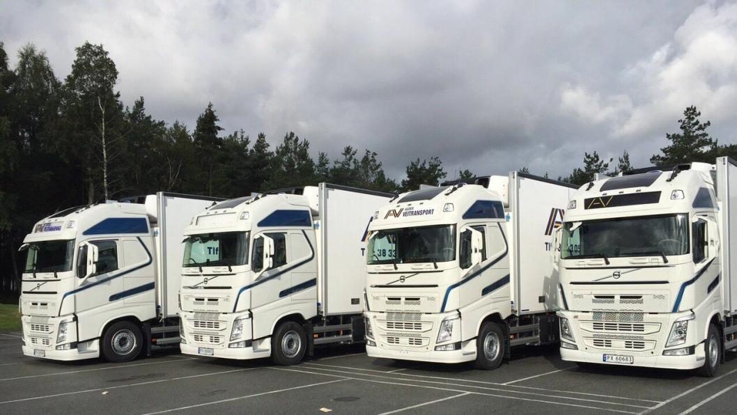 Agder Veitransport AS fikk lørdag overlevert fire av sine fem nye Volvo FH termobiler.