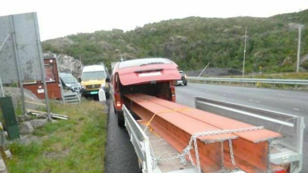 Statens vegvesen var ikke imponert over denne måten å frakte last på.
