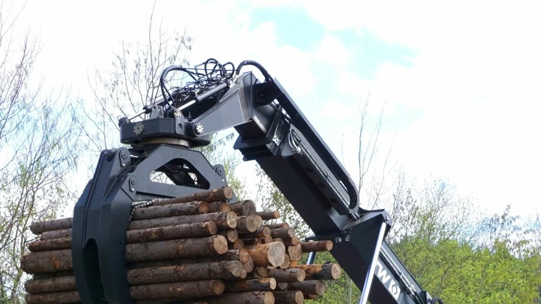 Den finske tømmerstackeren KURO RTD12H er blitt en kraftig plugg og er et resultat av tett utviklingssamarbeid mellom motorleverandør og produsent.