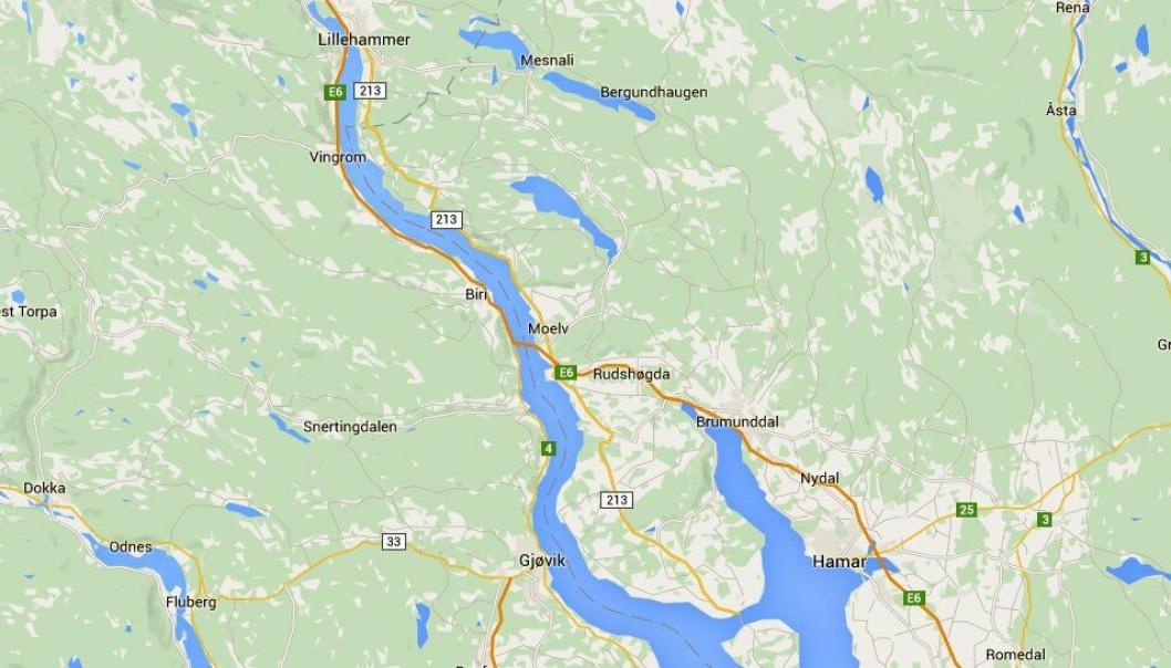 Bilen var ikke stjålet lenge. Kjøreturen gikk på E6 fra Rudshøgda til rett sør for Brummunddal der det var asfaltarbeider (se kartet).