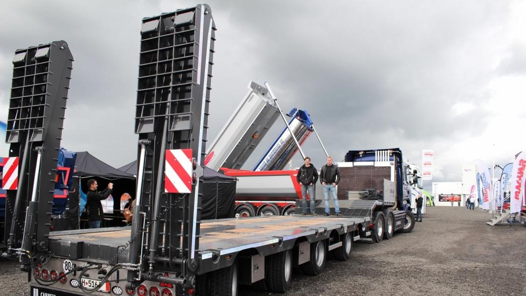 Den nye maskinsemien CSTV 40-60 har fått på plass flere nye tekniske løsninger. Til venstre Ove Kolstad og Odd Vegar Kolstad.