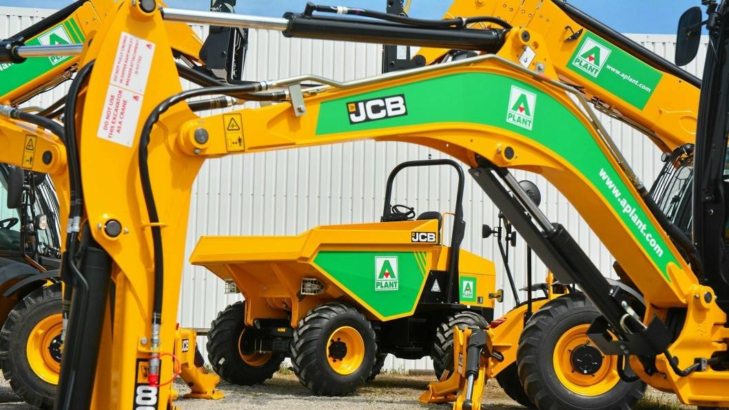 GIGA-AVTALE: Utleieselskapet A-Plant i Storbritannia har bestilt 1550 nye JCB-maskiner. Dette kommer året etter at samme selskap la inn ordre på 1000 JCB-maskiner.