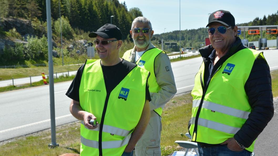 Raymond Nicolaysen, Egil Berg og Erik Graarud tok den første økten på Svinesund der andelen utenlandske lastebiler i 2013 var 91 prosent. Årets telling viser 90 prosent.