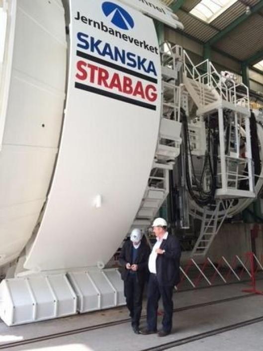 TBM-en som skal brukes i Ulriken-tunnelen er overlevert i Tyskland. Den er 155 meter lang og veier 1600 tonn. Etter sommeren skal den fraktes til Bergen.