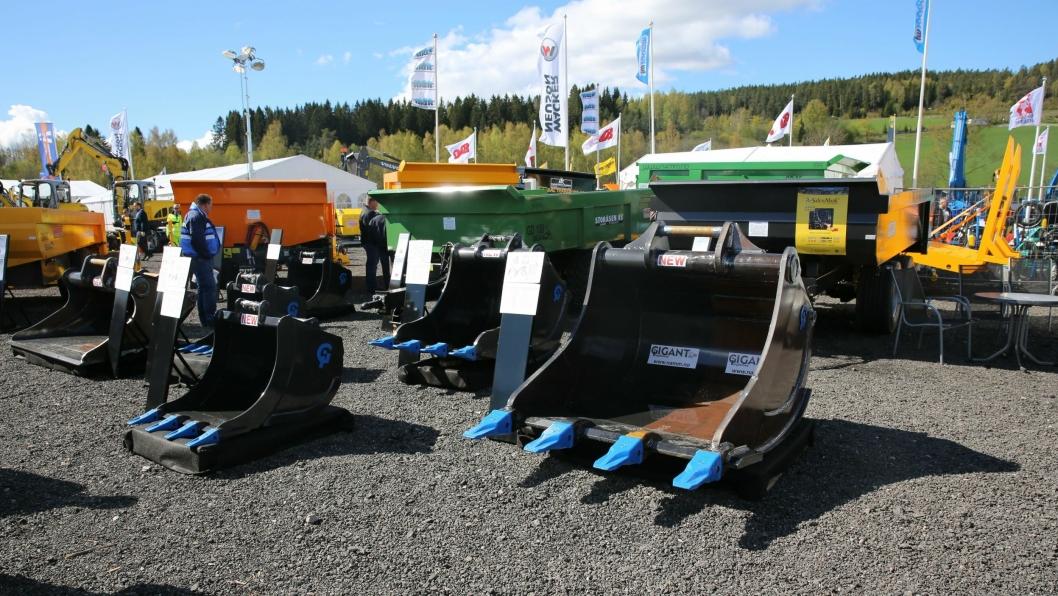 Skuffene har norgespreimiere på Vei og Anlegg og står utstilt på Nils A. Mørks stand.