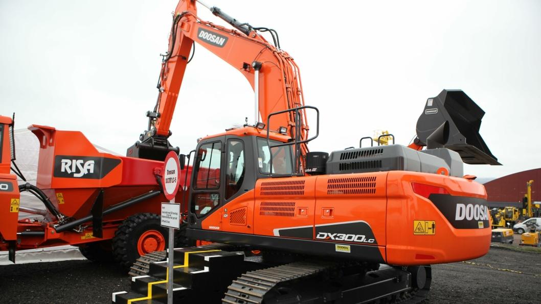 Doosans nye beltegraver DX300 LC-5. ALLE