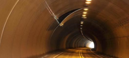 Tungbil ødela E6-tunnel