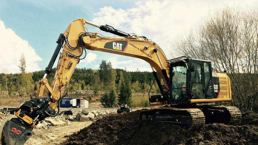 Lobben & Skinnstads 18-tonner Cat 316E er den første graveren levert med fabrikkmontert Grade Control.