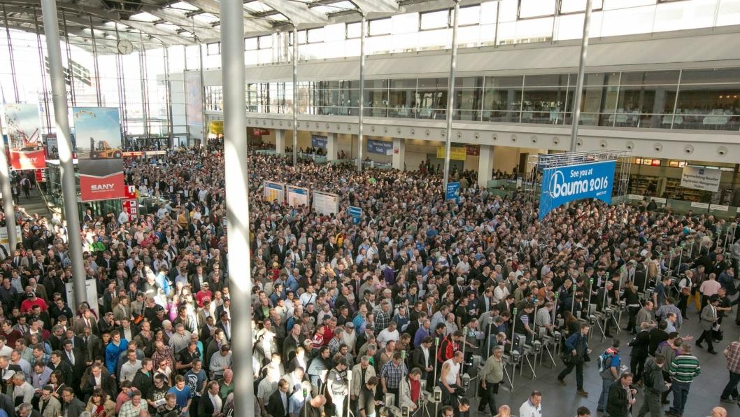 VERDENS STØRSTE: Bauma i München er verdens største anleggsmesse. Her fra 2013-utgaven.