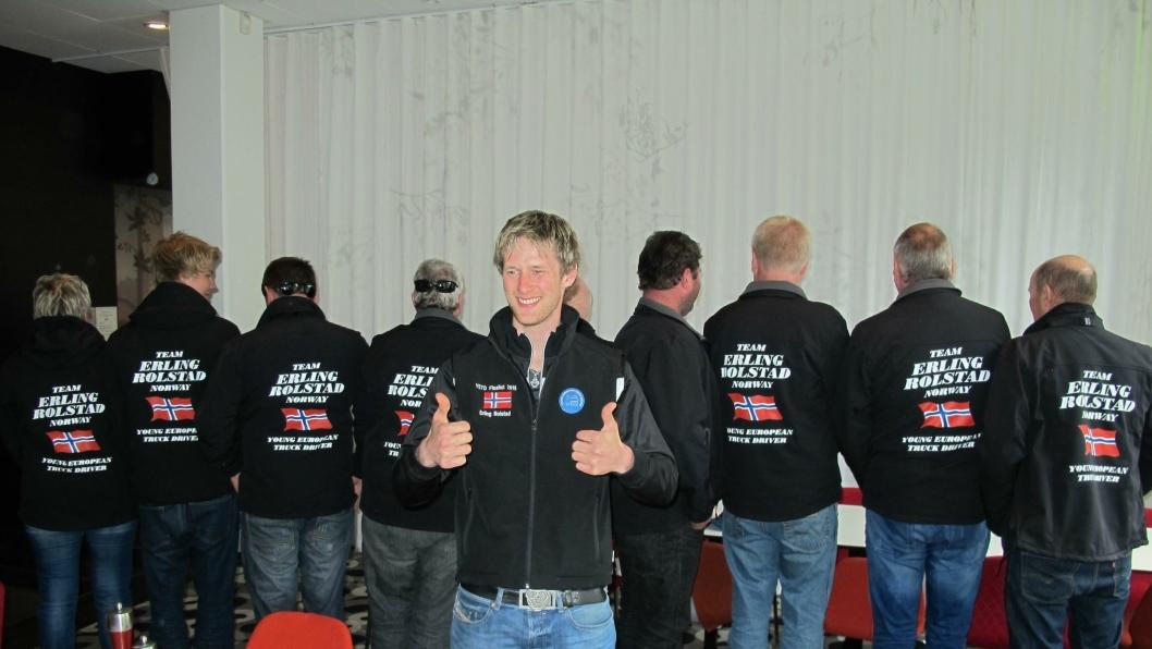 Ingen er i tvil hvem supportergjengen heier på. Forarbeid og gjennomføring var den beste for å følge Erling Rolstad gjennom konkurransen.