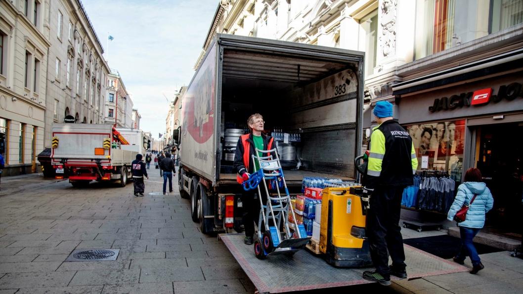 Leveranser til Oslo kan bli trøblete om byrådet får det som de vil. At en og annen pub går tom for øl, tåler vi nok, men det levers også livsviktige medisiner daglig med dieselbiler.