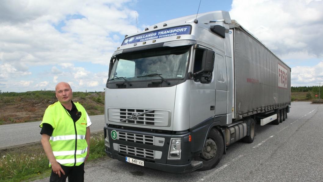Bjørn Uno Rogneby og Vegvesenets andre kontrollører kan snart få anledning til å holde tilbake lastebiler som har brutt kabotasjereglene, med hjullås.