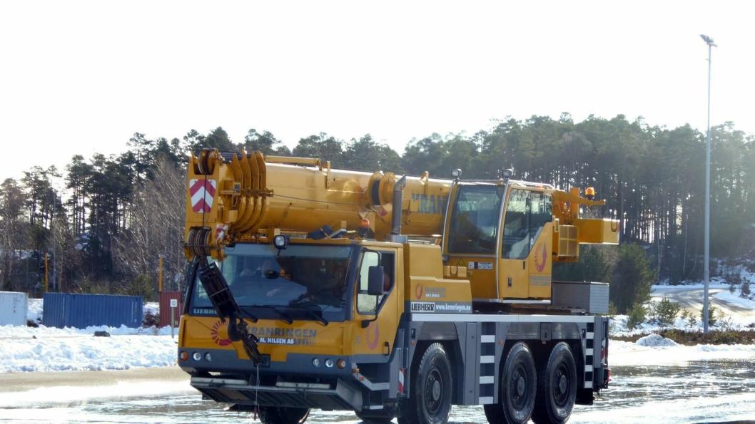 55-tonneren Liebherr LTM 1055 «på Holka» i Kristiansand.