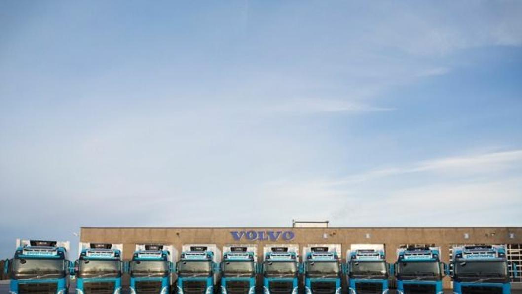 De siste ti bilene av ordren på 43 som er overlevert fra Volvo til Postnord.