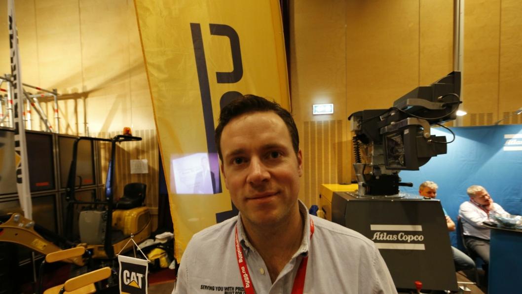 Stian Zachariassen er ny produktsjef for de små maskinene hos Pon Equipment. Her på plass på Utleiekonferansen.