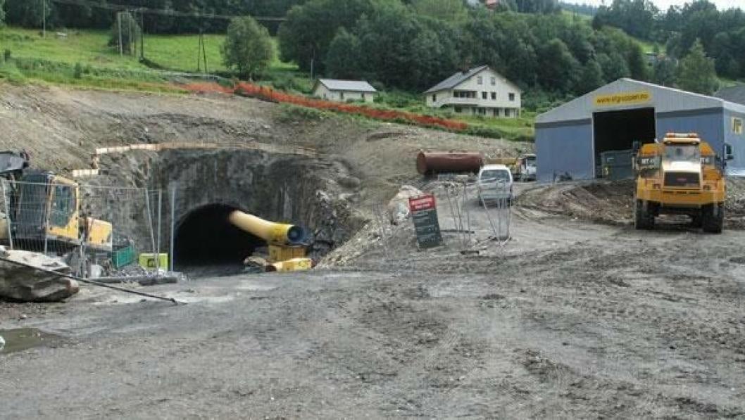 Den problematiske Øyertunnelen ble åpnet for vel to år siden. Dette bildet tok vi under byggingen i 2010.