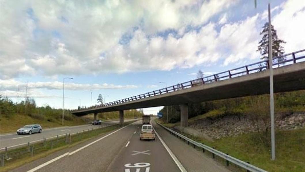 Dagens veiskille mellom E6 og E16 ved Jessheim.