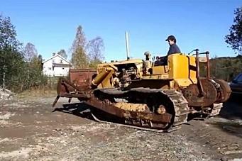 Se video av Cat D7 bygget i 1944