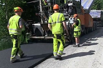 Statens vegvesen med «asfaltbibel»