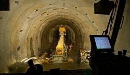 Et blikk fra førerplass. 70% av BBT (Brenner Base Tunnel) skal drives med TBM. Resten tas ut med konvensjonell boring og sprengning.