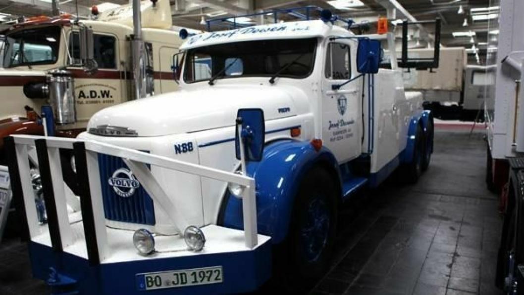 Volvo N88 bergingsbil fra 1972 med en sekssylindret motor på 260 hk. Vekt: 21,5 tonn. Lastebilen ble restaurert i 2002.