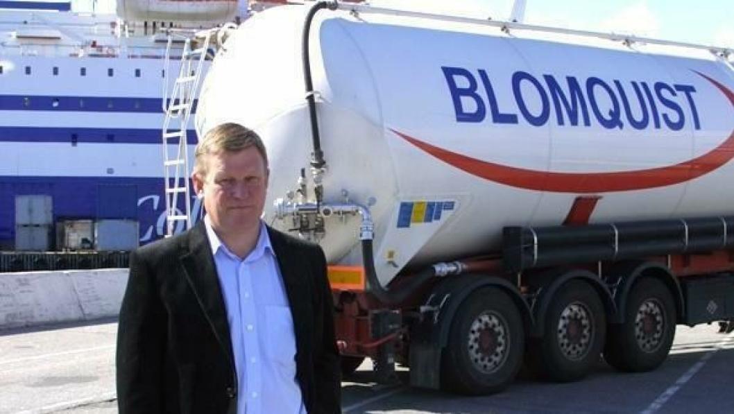 Konsernsjef Ragnar Blomquist er sterkt kritisk til norske myndigheters tilpasning til EU-direktivet for mobil arbeidskraft og spår økt utflagging.