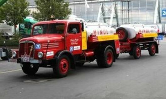 IFA S4000 tankbil fra 1962. Motoren yter 90 hk og topphastigheten er 80 km/t.