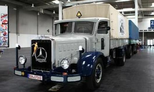 Mercedes-Benz L6500 bygget i 1939. Motor type OM 57 med 150 hk.