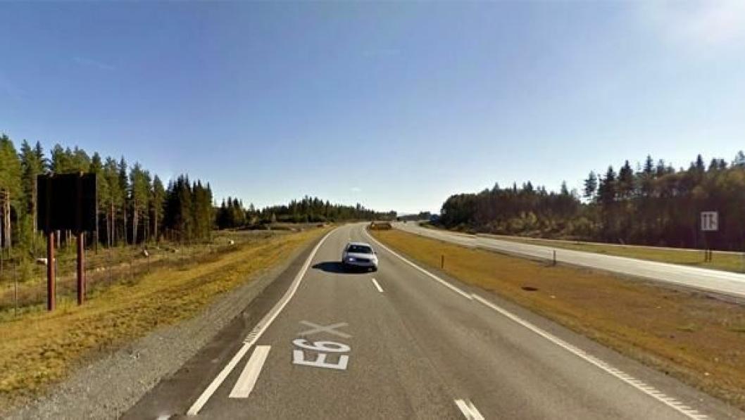 Bilde fra E6 ved Kolomoen der hendelsen skjedde. Bildet er tatt ved en tidligere anledning av Google Street View.