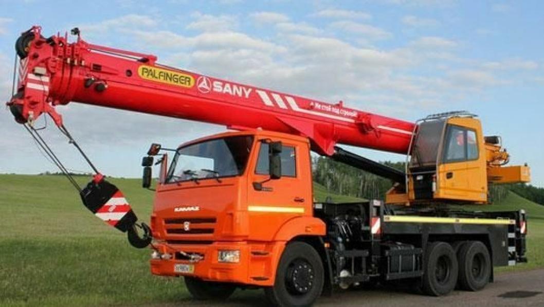 Palfinger Sany lanserer SPC lastebilmonterte teleskopkraner på CTT i Moskva.