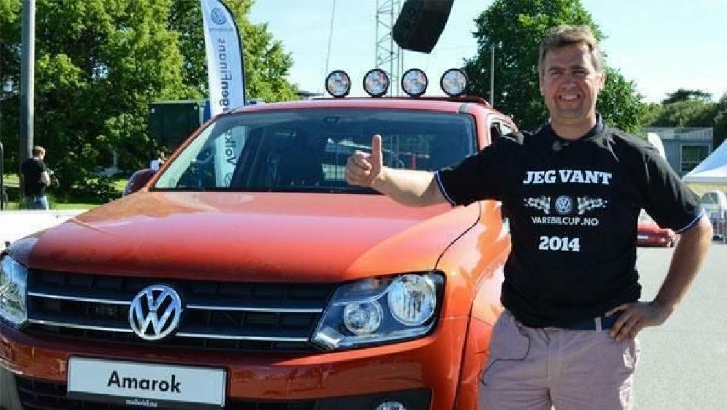 Tom Kristian Lien med premien - en VW Amarok til 490.000 kroner